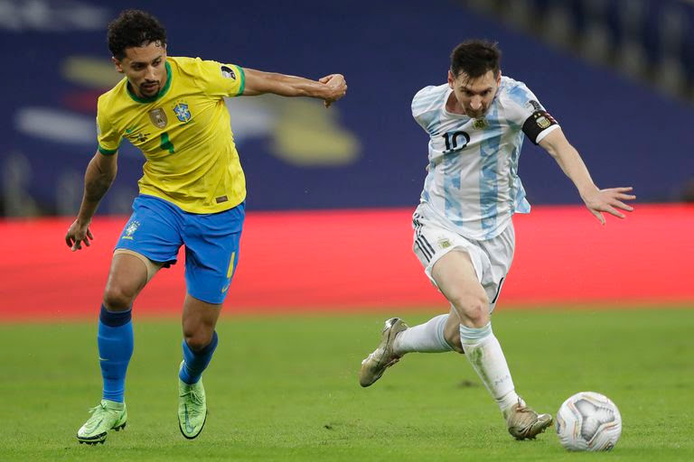 Messi encara ante Marquinhos